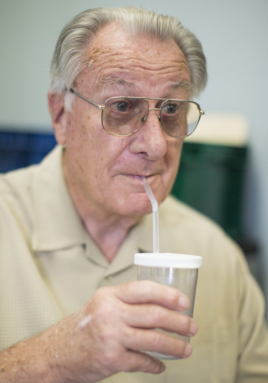 Assist straw drinking at any age