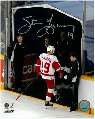 Steve Yzerman Autographed Photo