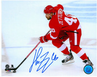 Henrik Zetterberg Autographed Detroit Red Wings 8x10 Photo #5 - Skating with Puck