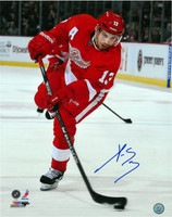 Pavel Datsyuk Autographed Detroit Red Wings 16x20 Photo #4 - The Wrister