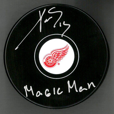 Pavel Datsyuk Autographed Hockey Puck Magic Man