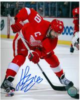 Henrik Zetterberg Autographed Detroit Red Wings 8x10 Photo #3 - Faceoff