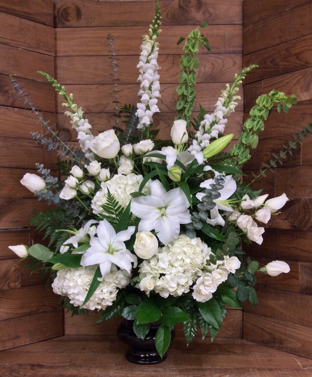 Elegant Sympathy Urn In Whites And Creams Centerville Florists