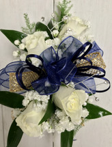 4 bloom petite sweetheart wrist Corsage