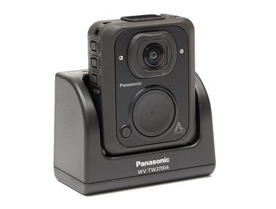 panasonic-arbitrator-body-worn-camera-and-vehicle-dock.png