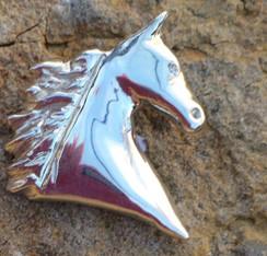 High headed horse head pendent