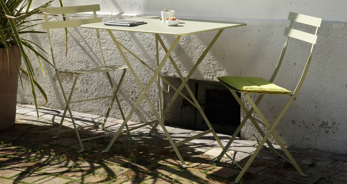 ... fermob-bistro-folding-table-0244-b.jpg & Fermob Bistro 28 Inch Square Folding Table With Parasol Hole