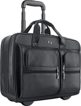 "Solo Classic Collection 15.6"" Leather Rolling Case D957"