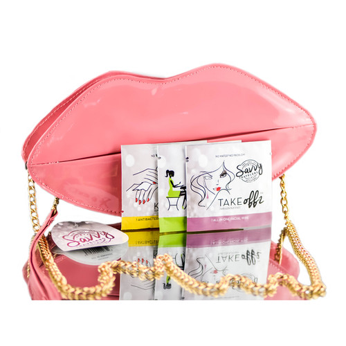Savvy Travelers Kiss Klutch Set