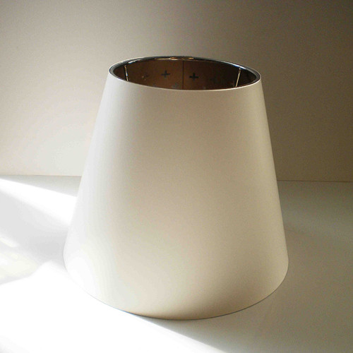 Guns Lounge diffuser (white, grey interior)