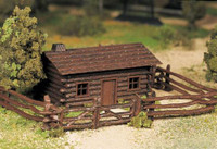 Log Cabin w/Rustic Fence Plasticville USA Building Kit O Scale