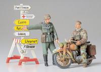 German Motorcycle Orderly Set 1/35 Tamiya