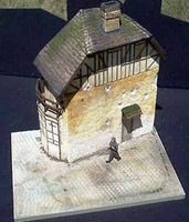 "Juno 2-Story Beach House w/Base (8""x10.5"") 1-35 Dioramas Plus"