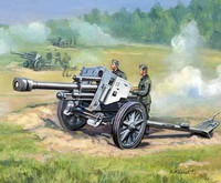 WWII German 105mm Le-FH18/18 Howitzer Gun with Crew (2) (Snap Kit) 1/72 Zvezda