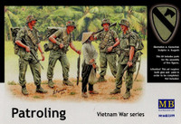 US Soldiers Patrolling Vietnam (4 & Woman) 1/35 Masterbox