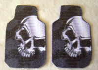 Skully Car Mat Set 1/25 Plastic Dreams