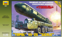 Topol SS-25 'Sickle' Russian Intercontinental Ballistic Missile Launcher 1/72 Zvezda