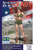 Alice US Army Pin-Up Girl Standing Holding Rifle 1/24 Masterbox