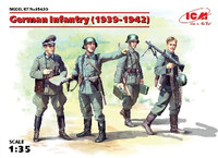German Infantry (4) w/Weapons & Equipment 1939-42 1/35 ICM Models