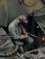 Man using Electric Welder Sitting (Resin) 1/35 Royal Model