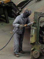Man using Electric Welder Standing (Resin) 1/35 Royal Model