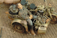WWII Waffen SS Grenadier Sleeping (Resin) 1/35 Royal Model