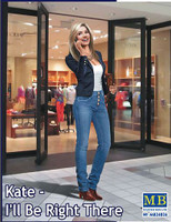 Kate Modern Woman wearing Casual Outfit Holding Cell Phone to Ear 1/24 Masterbox
