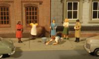 Scenescapes Sidewalk People (7) HO Bachmann