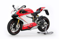 Ducati 1199 Panigale S Tricolore Motorcycle 1/12 Tamiya