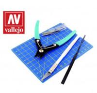 "Plastic Modeling Tool Set: Sprue Cutter, #1 Knife, 5 #11 Blades, 5.5""x4"" Cutting Mat, Flat File Vallejo"