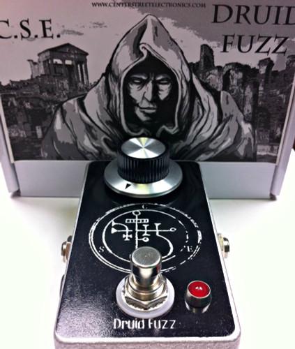 CSE Druid Fuzz Pedal with box
