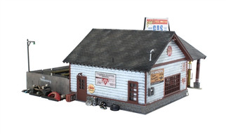 BR4935 N Scale Woodland Scenics Ethyl's Gas & Service