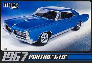 MPC710 MPC 1967 Pontiac GTO 1/25 Scale Plastic Model Kit
