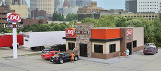 933-3485 HO Walthers Cornerstone Dairy Queen Grill & Chill Kit