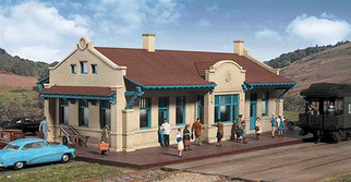 933-2920 Walthers HO Cornerstone Series Mission-Style Depot