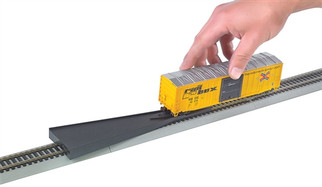 44492 HO Scale Bachmann EZ Railer