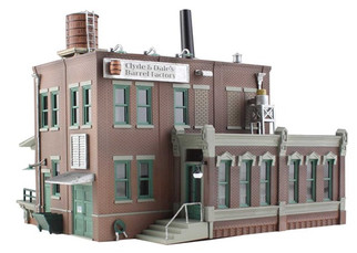 BR5026 HO Woodland Scenics Clyde & Dale's Barrel Factory