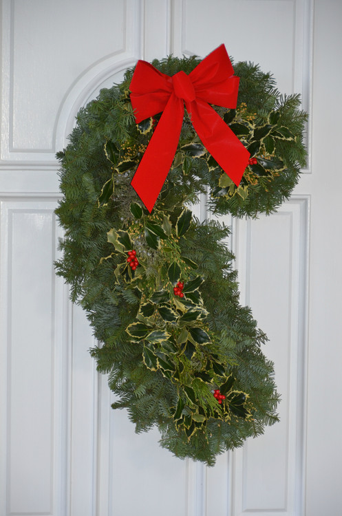Right facing Candy Cane wreath.