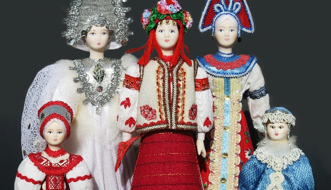 Russian Costume Porcelain Dolls