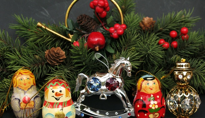 Classic Russian Wooden Christmas tree ornaments