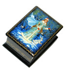 Snow Maiden Mstera Miniature Lacquer Box