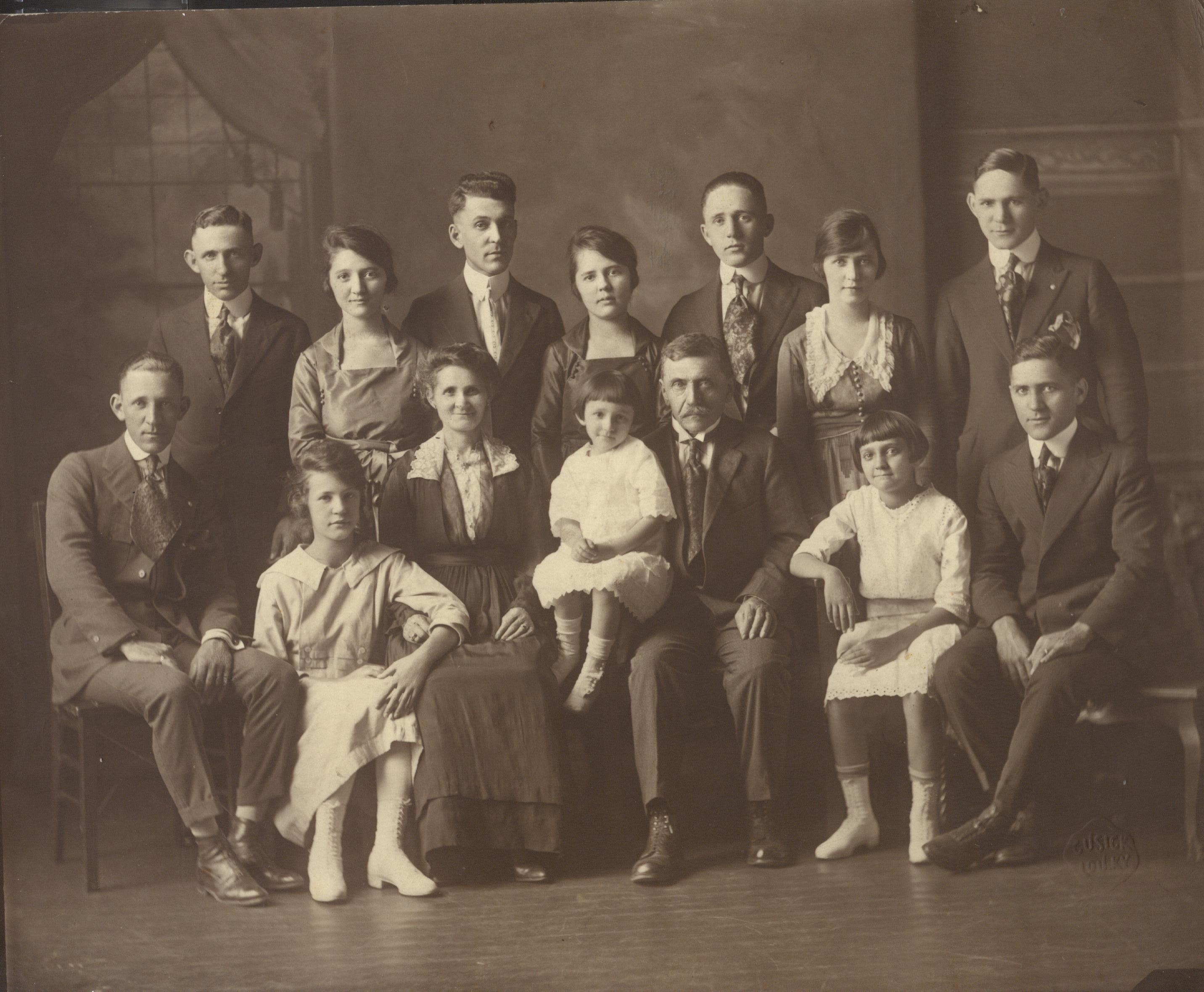 hymandebrovy-sons-family.jpg
