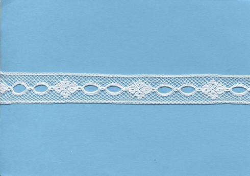French beading in white 1.3 cm wide