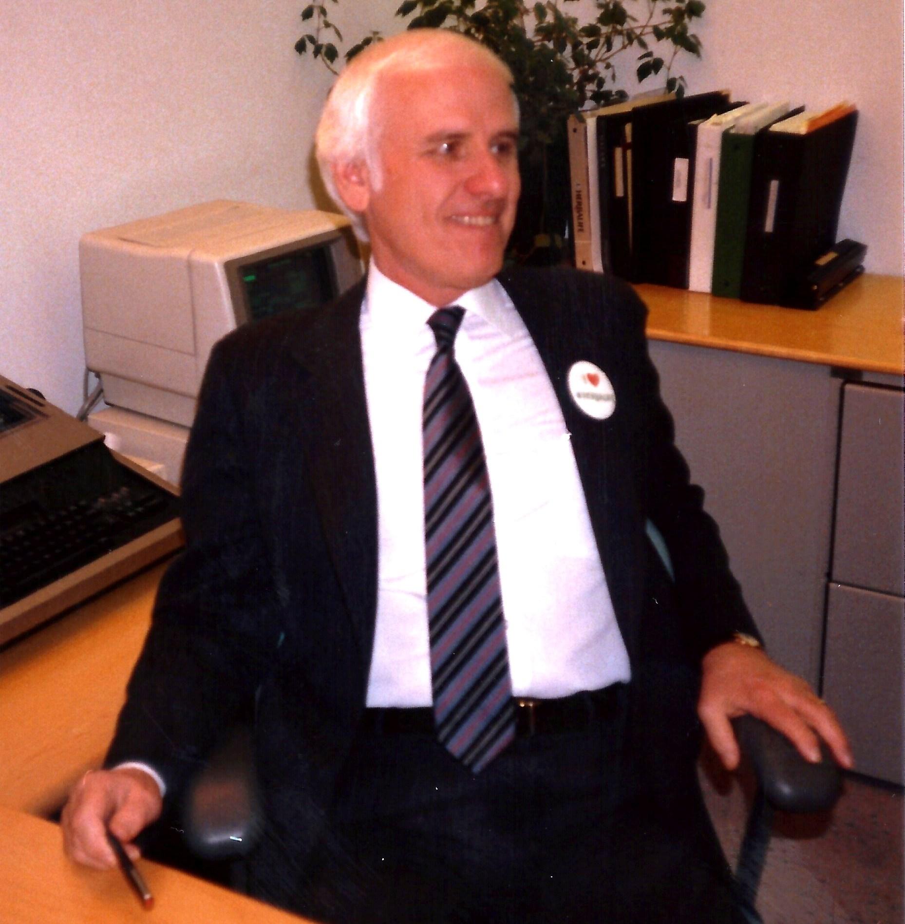 Jim Rohn by Paul Hopfensperger - Herbalife HQ Los Angeles 1988