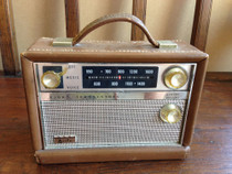 Vintage Arvin AM portable transistor radio leather chassis