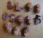 om221 - 12x WHW Winterhilfswerk characters badges - earthen ware
