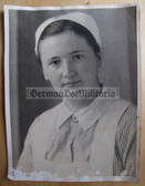 opc430 - large size German WW2 medical nurse portrait photo with brooch