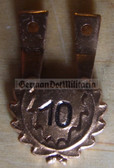 om247 - 11 - NVA Fallschirmjäger Paratrooper jump badge hanger - 10 jumps