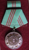 om450 - VOLKSPOLIZEI VP - long service medal in Bronze without state crest in blue box