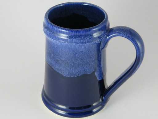 Crafted Cup's Traditional blue and white 24oz stein: Drinker's view (right handed)